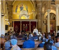 الأنبا إرميا يرأس صلاة جنازة رأفت نجيب منصور بالكنيسة البطرسية