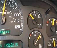أسباب وعلامات انخفاض ضغط زيت المحرك بالسيارة