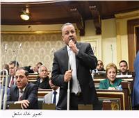 «نائب» يتقدم بطلب إحاطة لجمع وزير الإعلام عدد من المناصب