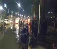 حتى منتصف الليل.. محافظ الجيزة يتابع شفط مياه الأمطار من الشوارع