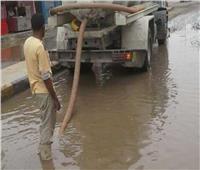 «القليوبية» تواصل عمليات شفط المياه من الشوارع لعودة الحركة المرورية لطبيعتها
