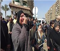جنازة مبارك| 7 صور تلخص حزن وبكاء محبي مبارك من أمام مقابر أسرته