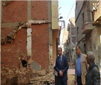 نائب محافظ الغربية يتفقد منزلا آيلا للسقوط بحي أول طنطا