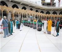 صور  كيف تُعقم السعودية المسجد الحرام بعد تفشي «كورونا»؟