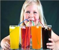 كيف تؤثر المشروبات الغازية على صحة طفلك؟