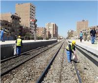 بالصور| «السكة الحديد» تطلق حملة نظافة موسعة بمحطات القطارات والورش