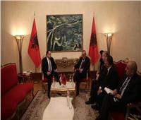 سفير مصر في ألبانيا يلتقي برئيس البرلمان الألباني