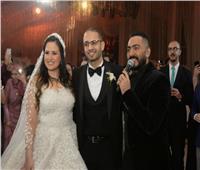 صور  تامر حسني والليثي يُشعلان زفاف «أحمد وهنا»