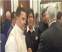 أحمد قذاف الدم يقدم العزاء في وفاة «مبارك»