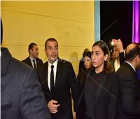 عمرو دياب ودينا الشربيني في عزاء مبارك
