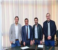 إيروسبورت يجدد التعاقد مع أحمد حسن وهادي خشبة