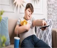السمنة عند الأطفال.. الشاشات المضيئة أبرز أسبابها