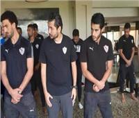 لاعبو الزمالك يؤدون صلاة الجمعة في فندق إقامة الفريق بتونس