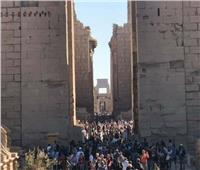 بالصور.. إقبال سياحي كبير في المناطق الآثرية والسياحية المختلفة بالأقصر