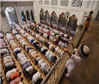 مساجد الأرض أوصدت أقفالها ... هل اقتربت الساعة وأغلق باب التوبة ؟