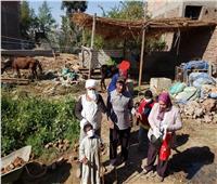 مستقبل وطن سوهاج يوزع  مطهرات وقفازات على أهالى 3 قرى بمركز البلينا