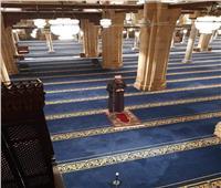 «وقف الإمام وحيدا».. الجمعة الأولى في الجامع الأزهر بعد تعليق الصلاة
