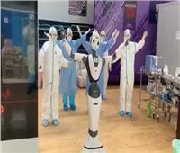 الصين تنتج روبوت بالاشعة الفوق البنفسجية لمحاربة كورونا