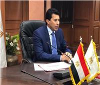وزير الرياضة يبحث إجراءات إعادة اللاعبين المصريين من الخارج