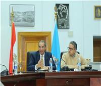 وزيرا السياحة والاتصالات يتفقان على تفعيل خط تلقي شكاوى العاملين بالقطاع السياحي