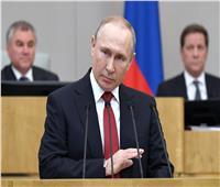 بالصورة والفيديو| بوتين صافح مدير مستشفى أصيب بكورونا