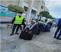«طلابمن أجل مصر»تشارك فى تنظيم صرف المعاشات بالبحيرة