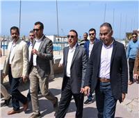 محافظ الاسكندرية يحذر المواطنين ويوجه بتفريق كافة التجمعات بطول الكورنيش