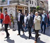 جولة لمحافظ الإسكندرية بالأسواق الأسبوعية للتأكد من التزامها بإجراءات الغلق