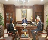 وزير السياحة والآثار يؤكد على دعم الوزارة المرشدين السياحيين في أزمة الكورونا