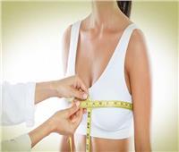 أستاذ جراحات التجميل يكشف الطريقة الأكثر أمانا لعملية تكبير الثدي