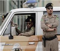 القبض على شخصين انتحلا صفة رجال الأمن لسلب ممتلكات المارةبالسعودية