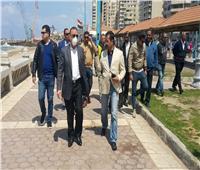 محافظ الإسكندرية يتفقد الكورنيش ويحث المواطنين على عدم التجمع