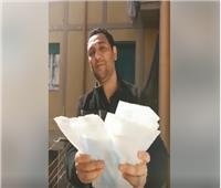 في رسالة بالفيديو| مصري مقيم بروما: الإيطاليون شكرونا على المساعدات ونشعر بالفخر