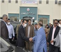 بالصور  حسن راتب يزور مستشفى العريش ويتبرع بـ 5 ملايين جنيه