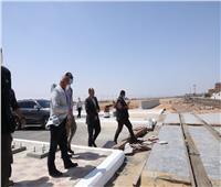 وزير النقل يفاجئ العاملين بمحطة الجناين للسكك الحديدية