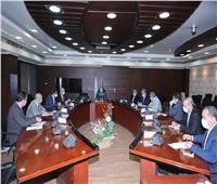 كامل الوزير يتابع مخطط تسيير «shuttle Bus» لمطار القاهرة و«BRT» على الدائري