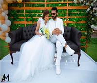 صور| منة فضالي بفستان الزفاف مع خالد النبوي