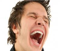 صيانة نفسية| «الضحك الكثير» أبرز علامات الاكتئاب.. فيديو