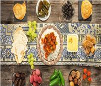 «اسأل مجرب».. طريقة تهيئة المعدة لاستقبال الطعام الدسم عند الإفطار