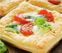 سحورك عندنا| طريقة عمل.. «فطائر جبن التشيدر مع طماطم»