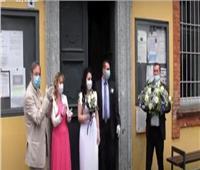 بسبب كورونا  شاهد.. زفاف بالكمامات الطبية في إيطاليا