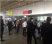 148 مصريا من العالقين بالكويت يصلون مطار مرسى علم الدولي