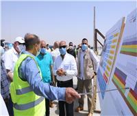بالصور| وزير النقل يتفقد المرحلة الأولى من تطوير طريق القاهرة/ أسوان