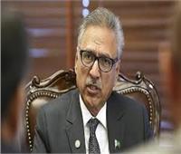 رئيس باكستان يحث شعبه على أداء صلاة عيد الفطر في المنازل للحد من انتشار فيروس كورونا