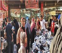 صور| رغم التحذيرات من كورونا.. ازدحام شديد في شوراع إمبابة ليلة العيد