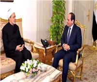 الإمام الأكبر يجري اتصالا هاتفيا بالرئيس السيسي للتهنئة بعيد الفطر