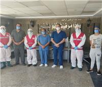 وفد من «الهلال الأحمر» يزور مستشفى قها لدعم الطاقم الطبي معنويًا