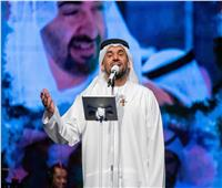 صور| حسين الجسمي يعايد الجمهور وينثر الأمل والفرح حول العالم ببث حي من أبوظبي