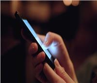 7 طرق لاستخدام الهاتف تسبب السرطان