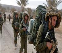 الاحتلال الإسرائيلي يستهدف صيادين فلسطينيين ويتوغل شرق غزة